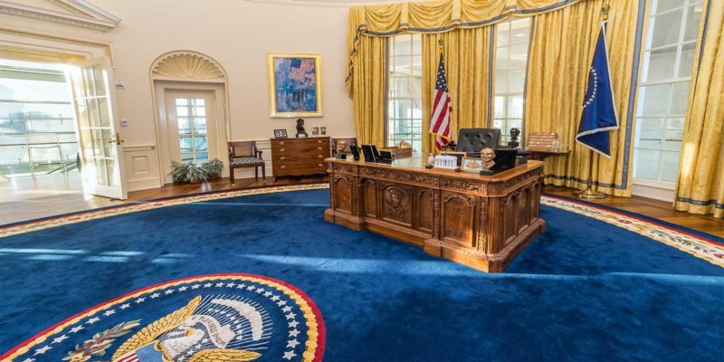 Oval office replica