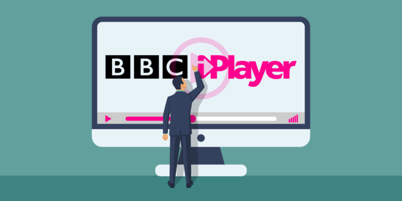 Man Klikt op Groot scherm met BBC iPlayer logo